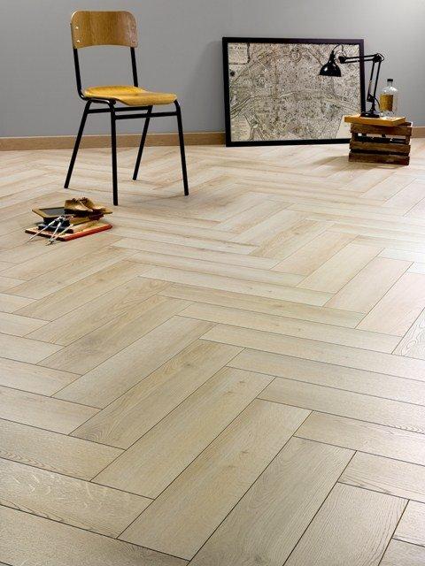 Eglutės rašto laminuota grindų danga 435 - 19,90€