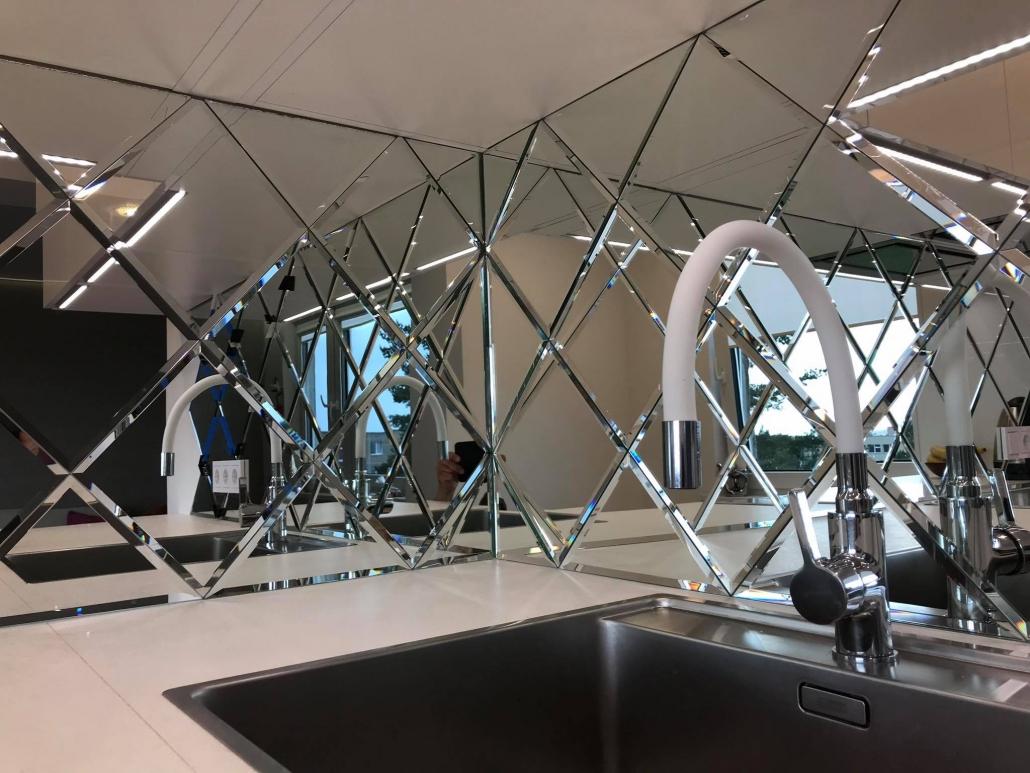 Veidrodinės plytelės - 30x30cm - 10 mm facetas –130€/m²